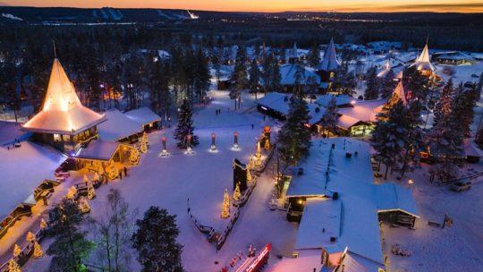 LAPPONIA | Esiste davvero il Villaggio di Babbo Natale?