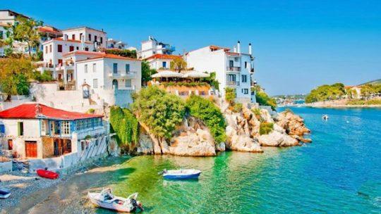 Vacanza alle isole Sporadi: ecco perché è la scelta giusta per l'estate